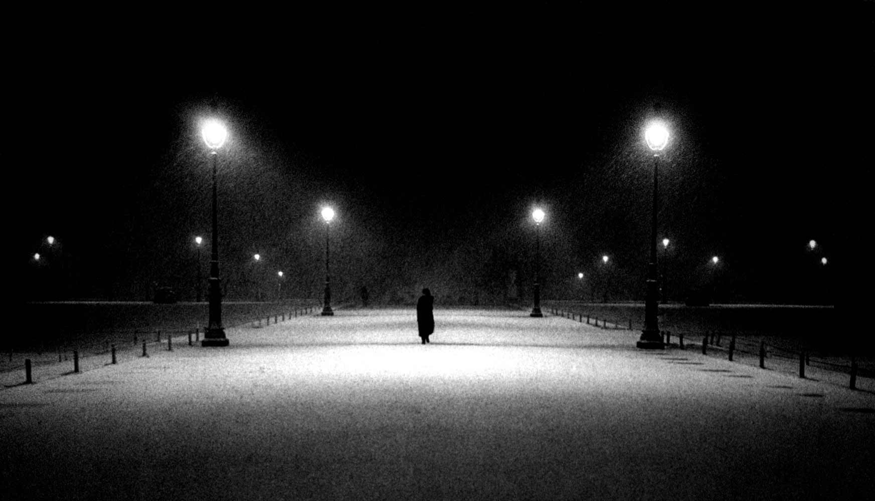 HOME_snowy_Louvre_